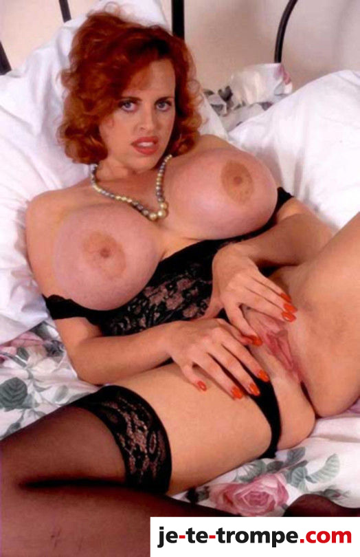 femme mure gros seins